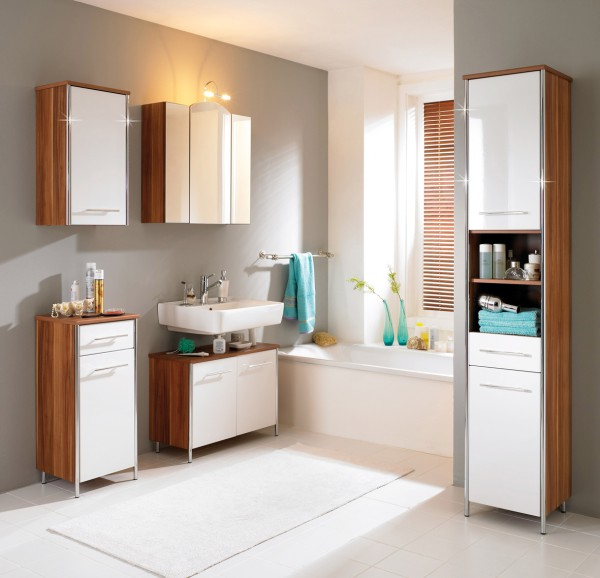 Inspirations for Decorating Small Bathrooms on Small Budget 5