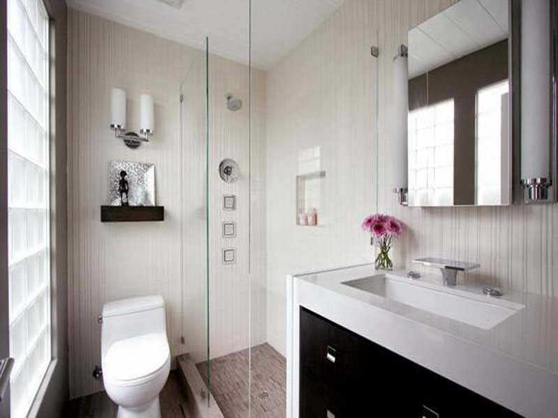 Inspirations for Decorating Small Bathrooms on Small Budget 7